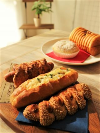 東京駅構内グランスタに便利なパン屋さん「デイジイ東京」オープン!朝食にランチに充電も出来ちゃう