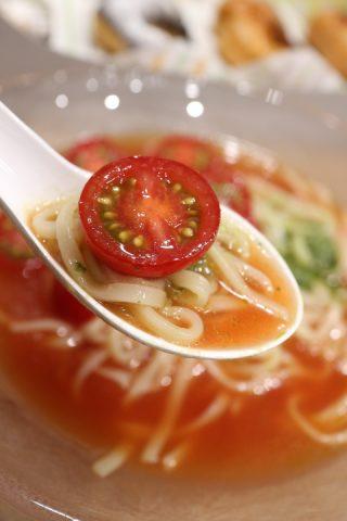 ミスド×ソラノイロ「涼風麺」が旨い!ドーナツより低カロリーのヘルシーメニューがうれしい