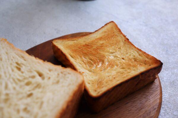 俺のベーカリー クロワッサン食パン